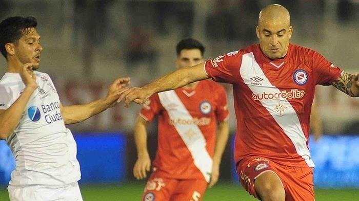 Santiago Silva no podrá jugar por dos años por doping