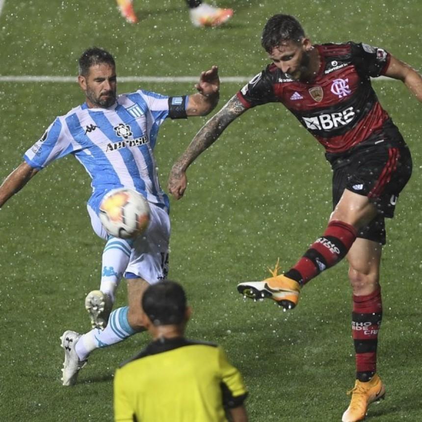 En partido polémico Racing y Flamengo empataron por la ida de los octavos de final
