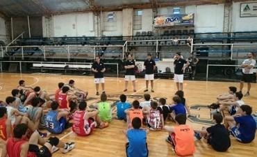Cuerpo técnico de San Lorenzo de Almagro dicto clínica de Básquet