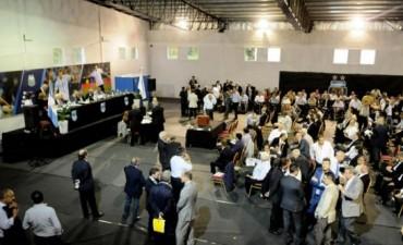 Papelón en las elecciones en la AFA: 75 asambleístas... 76 votos