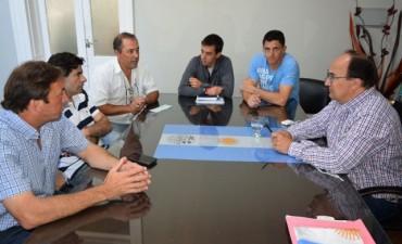 Autoridades municipales se reunieron con directivos del Club Huracán y  del Saladillo Rugby Club