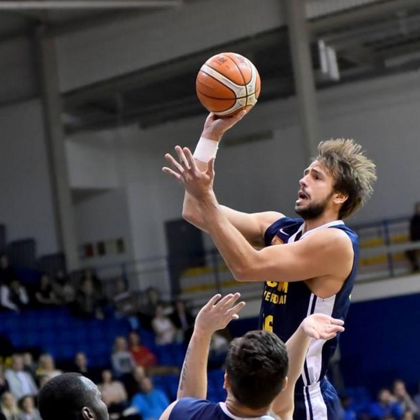 El Murcia de Marcos Delía logra un trabajado triunfo ante el Ventspils