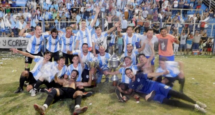 Defensores de Del Carril campeón del Torneo Clausura