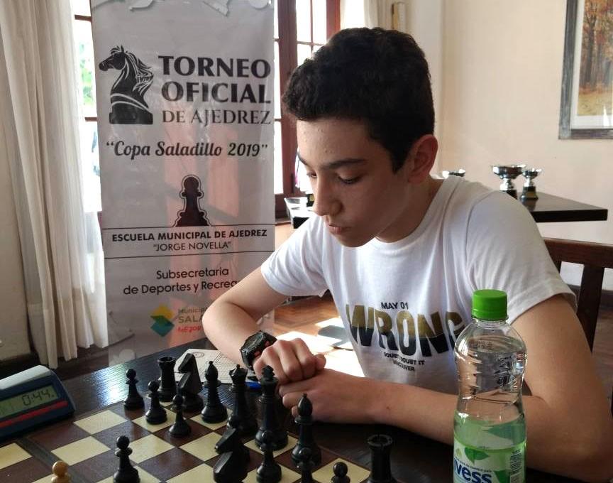 Leandro Casella campeón de ajedrez en Olavarria
